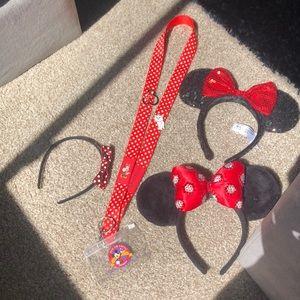 Minnie Mouse Ears and Lanyard with Pins